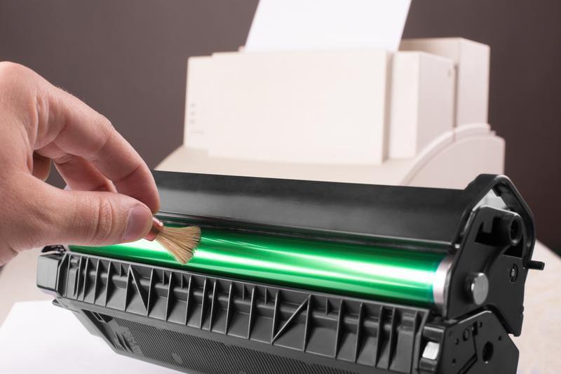 cleaning printer toner cartridge